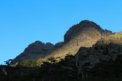 Berglandskap på soluppgång, Corse, Frankrike GR20 Arkivbild