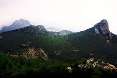 Berglandskapen av Kantara, Turkiet arkivfoto