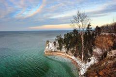 Bergmänner ziehen sich - dargestelltes Rocks nationales Seeufer zurück Stockbild