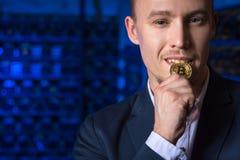 Bergmann bitcoin cryptocurrency Lizenzfreie Stockfotografie
