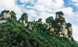 Bergmaxima i Zhangjiajie, Kina Royaltyfri Bild