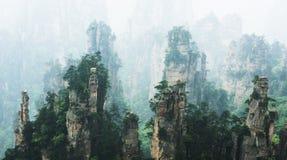 Bergmaxima i Zhangjiajie Kina Arkivfoto
