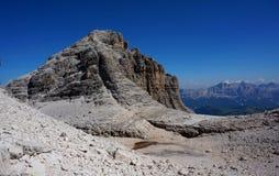 Bergmaximum i sellagrupp i dolomitesna Arkivbilder