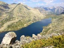 Bergmeer, Ladohinskoe in Bargusinsky-rand bij Meer Baikal Stock Afbeeldingen
