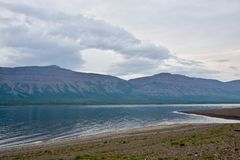 Bergmeer op Putorana-plateau royalty-vrije stock afbeelding