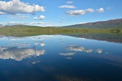 Bergmeer op Putorana-plateau royalty-vrije stock afbeeldingen