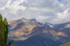 Bergmening tijdens de dag stock fotografie