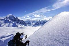 Bergmeningen in Chamonix stock foto