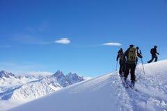 Bergmeningen in Chamonix terwijl Ski Touring royalty-vrije stock afbeeldingen