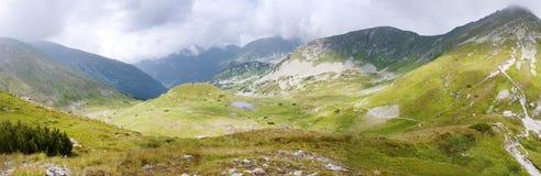 Bergpanorama Arkivfoton