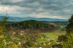 Bergpanorama - sikt på Karkonosze Royaltyfria Bilder