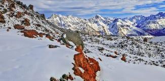 Bergpanorama van de bergen van de Kaukasus Rusland, Kabardino-Balkarië Stock Foto