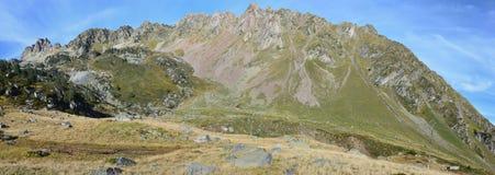 Bergpanorama vom Tal Campan Stockfotos