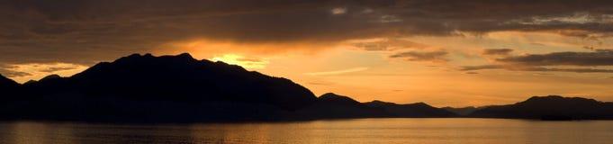 bergpanoramasolnedgång Fotografering för Bildbyråer