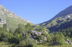 Bergpasserandet i bergen near Sochi Royaltyfri Bild