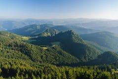 Bergpieken en valleien Royalty-vrije Stock Foto's
