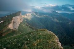 Bergrand Kleine Thach, de Kaukasus stock foto