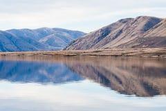 Bergreflexion, sjö Clearwater Arkivbild