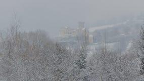 Bergrivier in de winter, mooi de winterlandschap Royalty-vrije Stock Fotografie