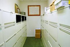 Bergruimte met Archiefkasten Stock Afbeelding