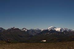 Bergs Livigno med snö royaltyfria foton