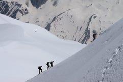 Bergsbestigare i franska fjällängar Fotografering för Bildbyråer