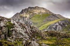 Bergscène, Tryfan in Snowdonia-Noord-Wales Royalty-vrije Stock Afbeeldingen
