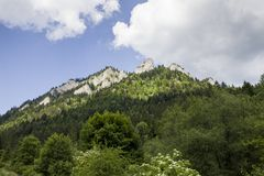 Bergschuilplaats, Drie Kronen op de Donay-Rivier royalty-vrije stock fotografie