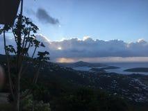 Bergsikt av Charlotte Amalie Arkivfoto