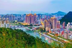 Bergsikt av nya Taipei Xindian Royaltyfria Bilder