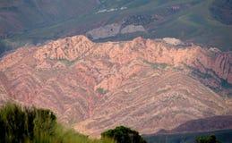 Bergsikt för röd färg Royaltyfria Foton