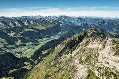 Bergsikt från monteringen Saentis, Schweiz, schweiziska fjällängar Royaltyfri Fotografi