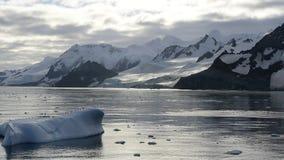 Bergsikt i Antarktis lager videofilmer