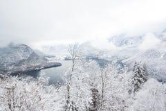 Bergsikt i Hallstatt hesitagestad 4000 år Royaltyfri Bild