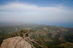 Bergsikt i sommar Arkivfoto