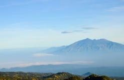 Bergsikt, Java, Indonesien Arkivbilder