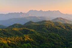 Bergsikter, landskap, synvinkel Arkivfoton