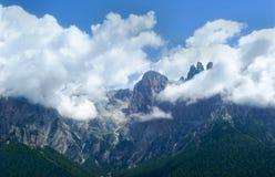 Bergskedja arkivbild