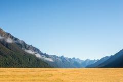 Bergskedja i Nya Zeeland Royaltyfria Bilder