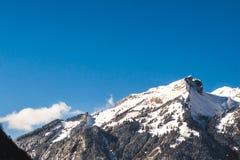 Bergskedjalandskapsikt alpina Swizerland arkivbild