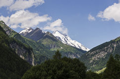 Bergspitze bei Grossglockner Österreich lizenzfreie stockfotos