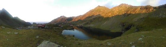 Bergspitzen-Panorama Lizenzfreies Stockbild