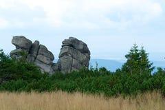 Bergspitzenfelsen Stockfoto
