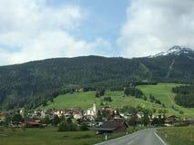 Bergstad av Garmisch, Tyskland arkivfoton