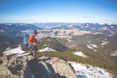 Bergsteiger auf die Oberseite Lizenzfreies Stockbild