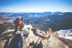 Bergsteiger auf die Oberseite Lizenzfreie Stockbilder