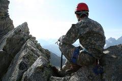 Bergsteiger auf einer Alpe Stockbilder