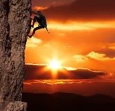 Bergsteiger auf sanset Lizenzfreie Stockfotografie