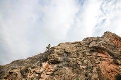 Bergsteiger in der Aktion lizenzfreies stockbild