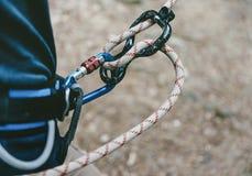 Bergsteiger mit Seil und Tabelle acht Lizenzfreie Stockfotografie